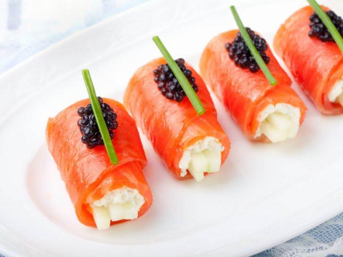 Rouleaux light de saumon au fromage frais et concombre