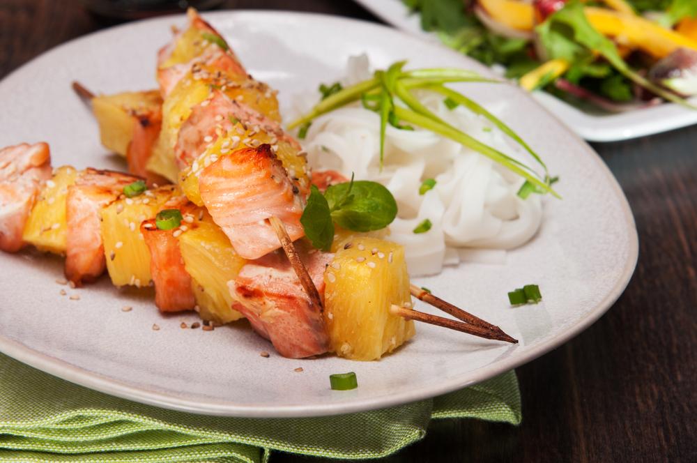 Brochette de saumon ananas