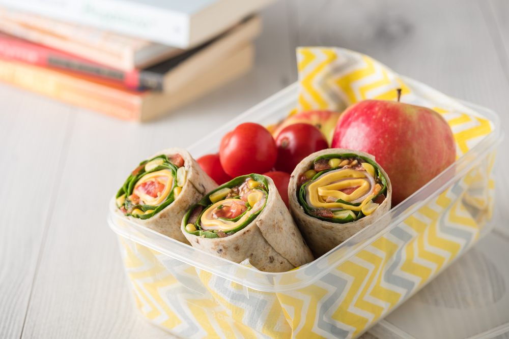 Wrap avocat jambon mais